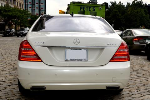 Mercedes S550 limo in New York