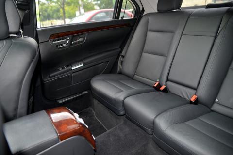 Mercedes S550 limousine in New York City