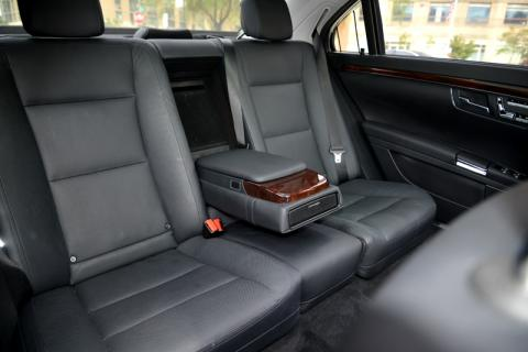 Mercedes S500 limousine in Long Island
